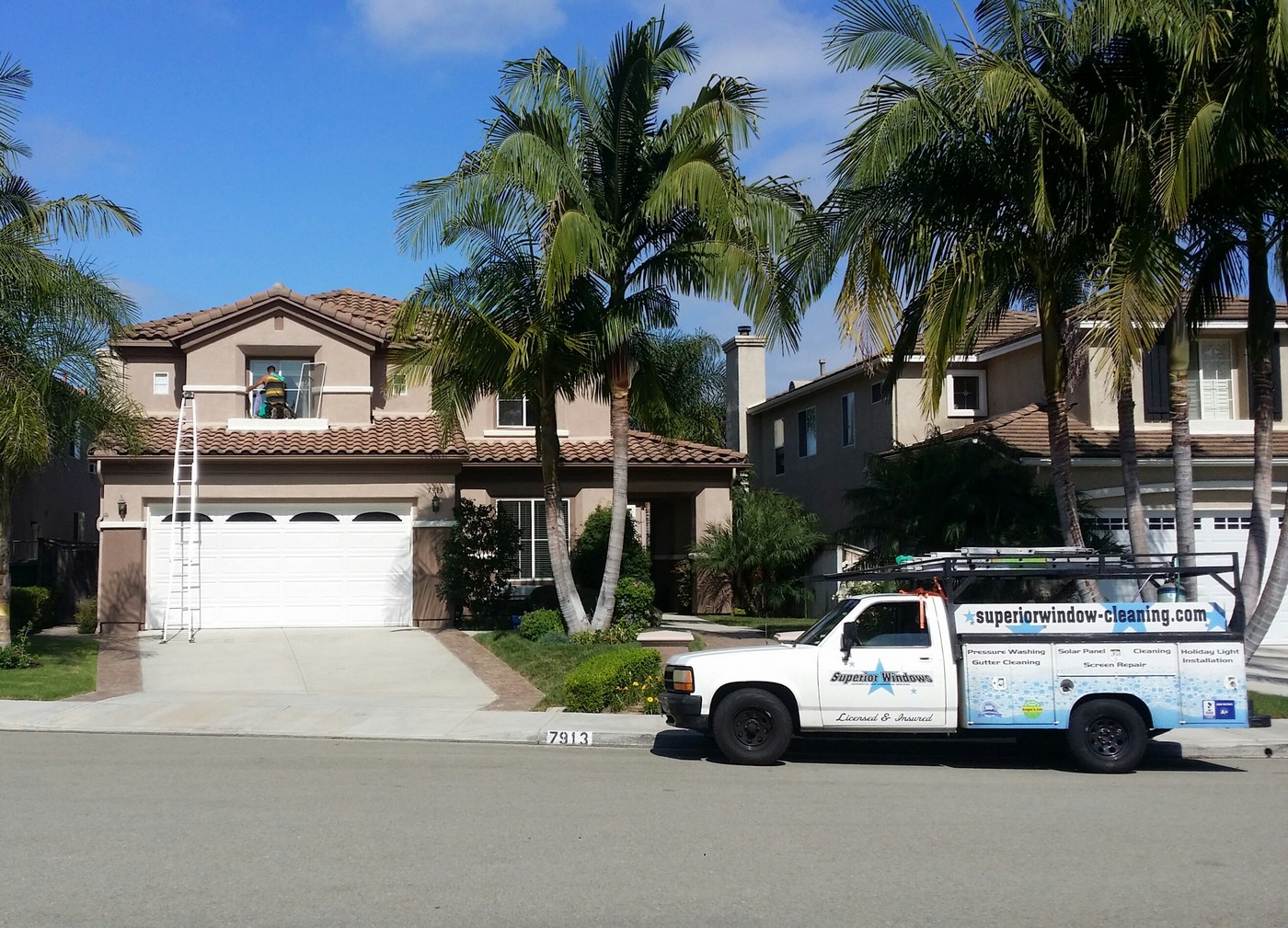 San Diego Window Cleaning, Gutter Cleaning and Holiday Light Installation