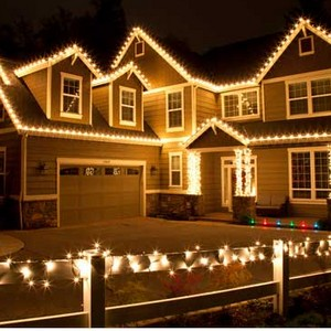 Small Single Story Home 100ft Of Lights Max $175.00